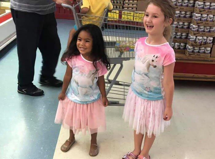 """Дочь на весь магазин закричала: """"Пап, у меня есть близняшка!"""""""
