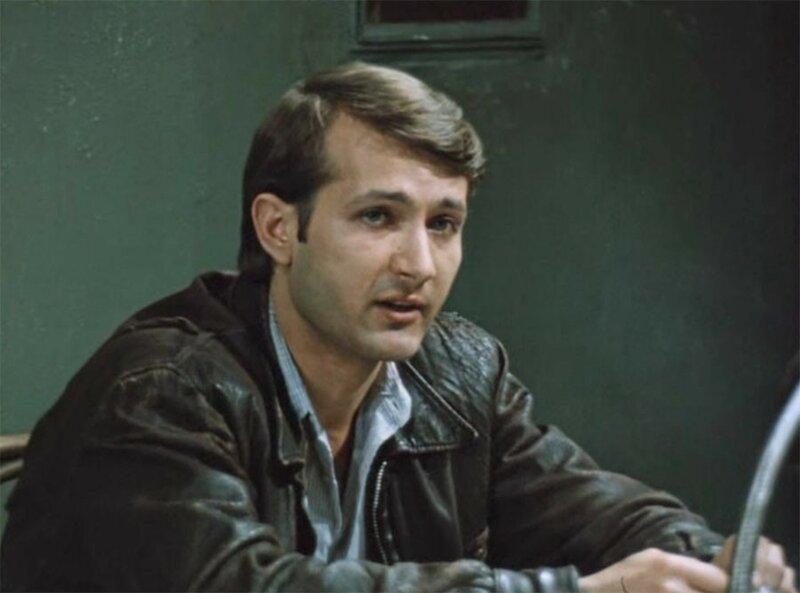 Как видите, на роль Векшина пробовался Андрей Градов, которому досталась в итоге роль Тараскина