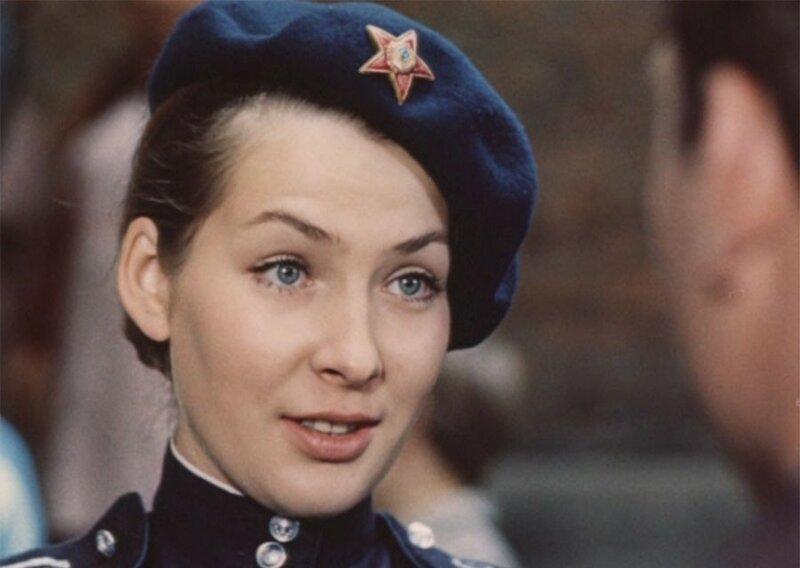 Возьмём, к примеру, Варю Синичкину - невесту Шарапова. Её в фильме сыграла Наталья Данилова.