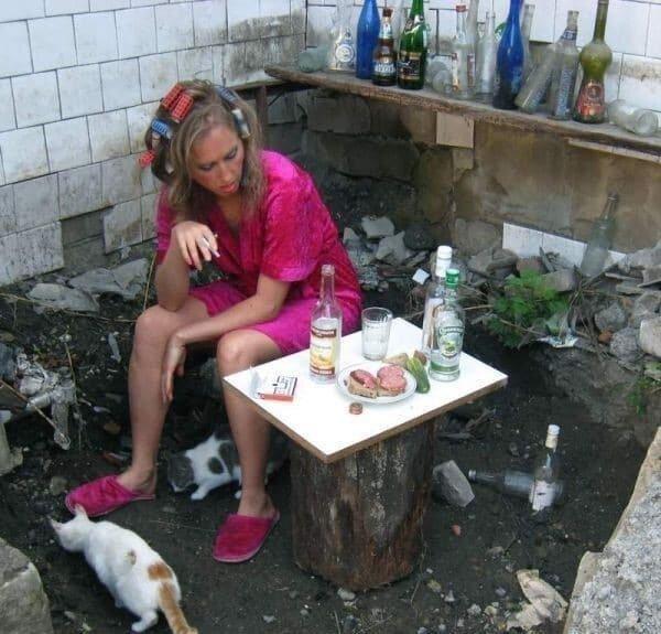 13. Существует много стереотипов о самодостаточных женщинах, связаны они обычно с 40 кошками. Так многие представляют жизнь сильной и независимой