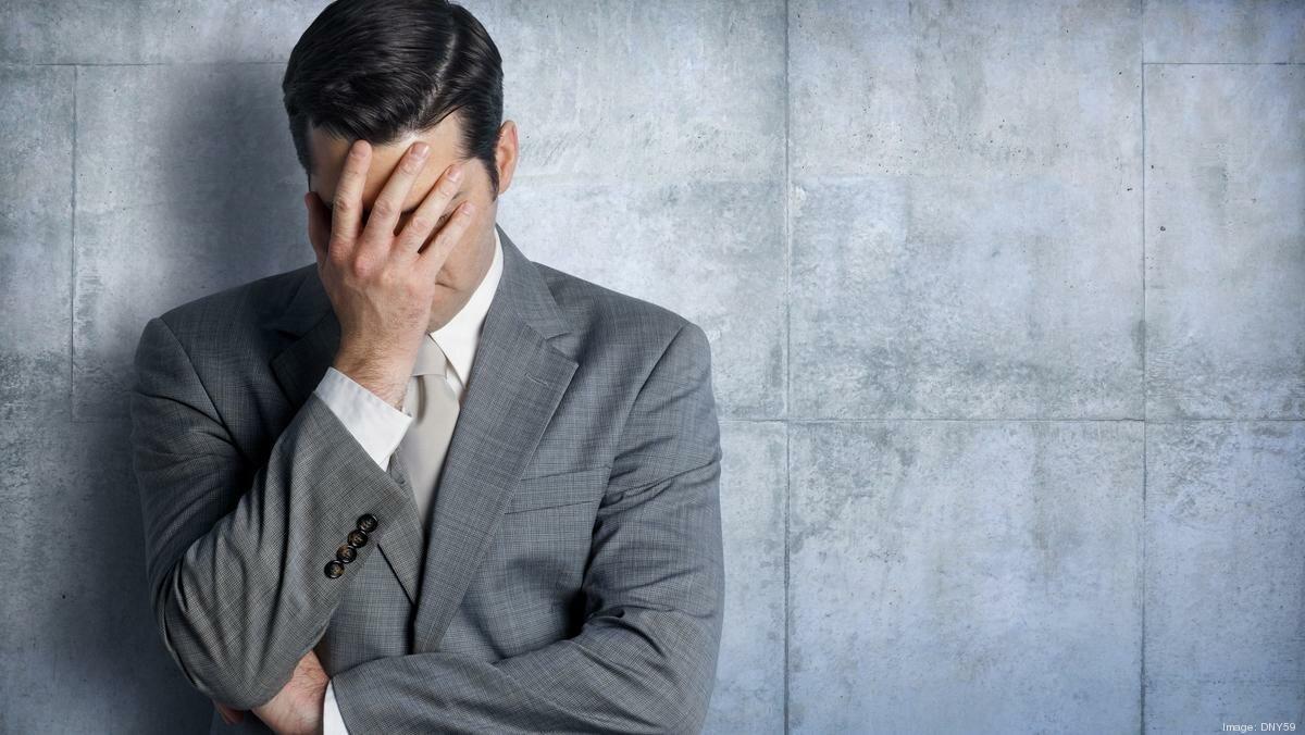 картинка мужика схватившегося за голову компьютера или ноутбука
