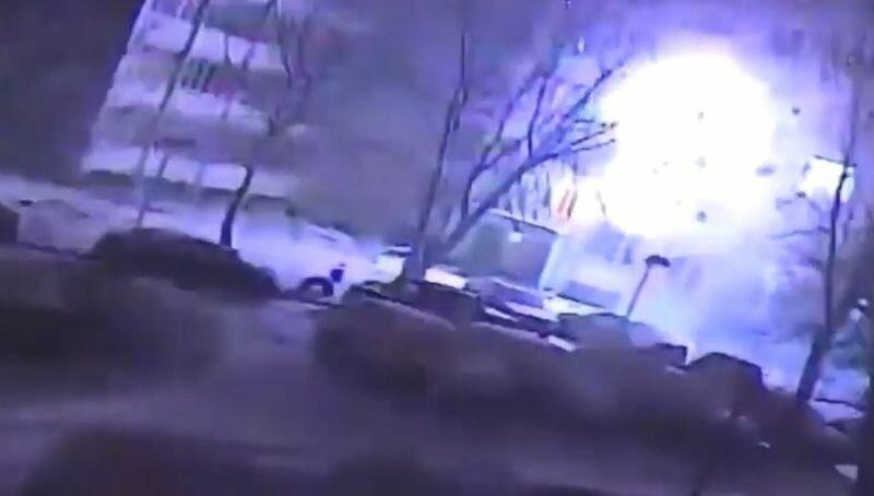 Взрыв газа в квартире жилого дома в Твери попал на видео