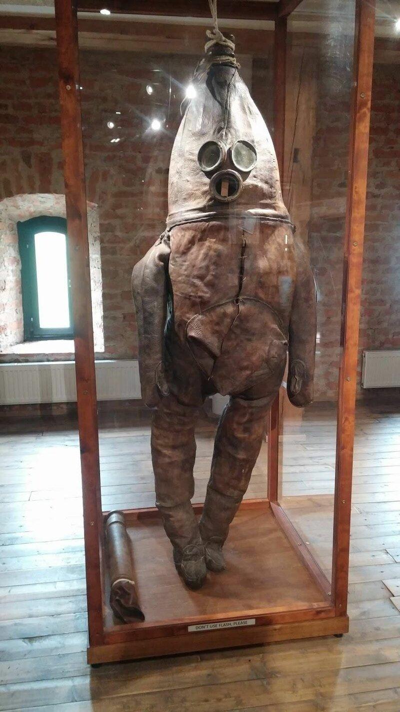 Еще один водолазный костюм 18-го века