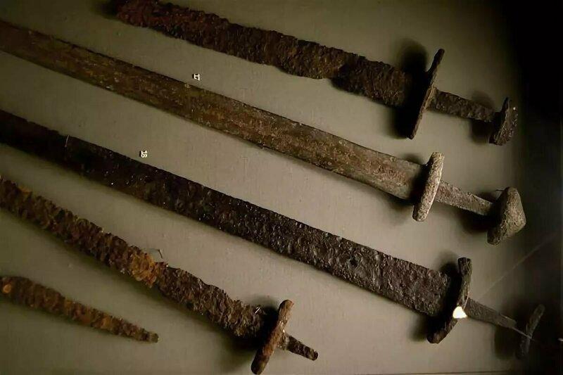 фото древнерусских мечей метрической системы встречались