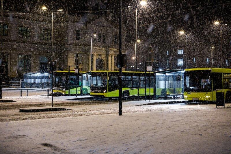 В России больше не будут из общественного транспорта детей на мороз выгонять