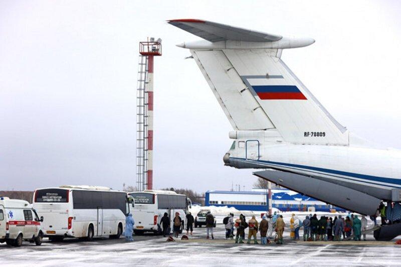 Несколько часов назад посольство России сообщило об успешной эвакуации всех россиян из Уханя