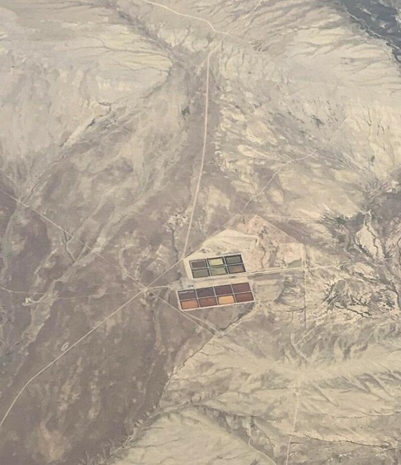Увидел это из самолета при перелете по маршруту Вашингтон- Лас-Вегас