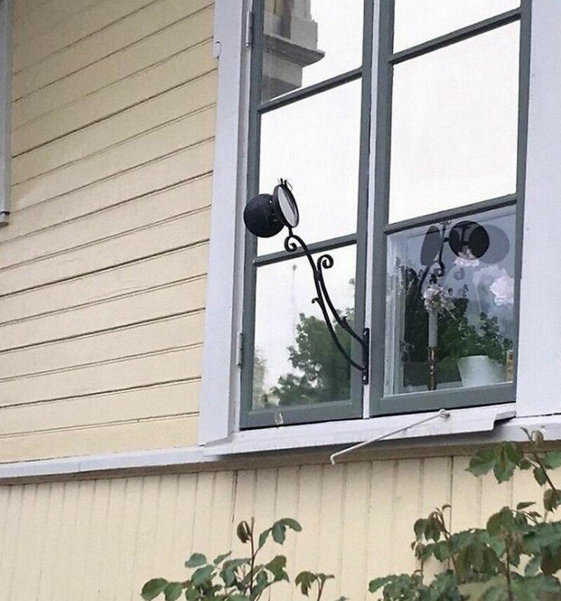 Для чего эти зеркала на домах в шведском городе Трусе?