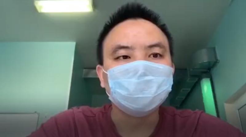 Китаец извинился перед россиянами за то, что привез с собой коронавирус