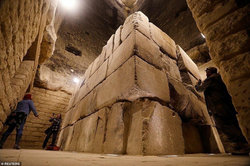 еще что находится в египетской пирамиде картинки механическую