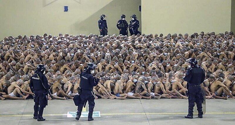 В сальвадорских тюрьмах ужесточили режим, наплевав на карантин