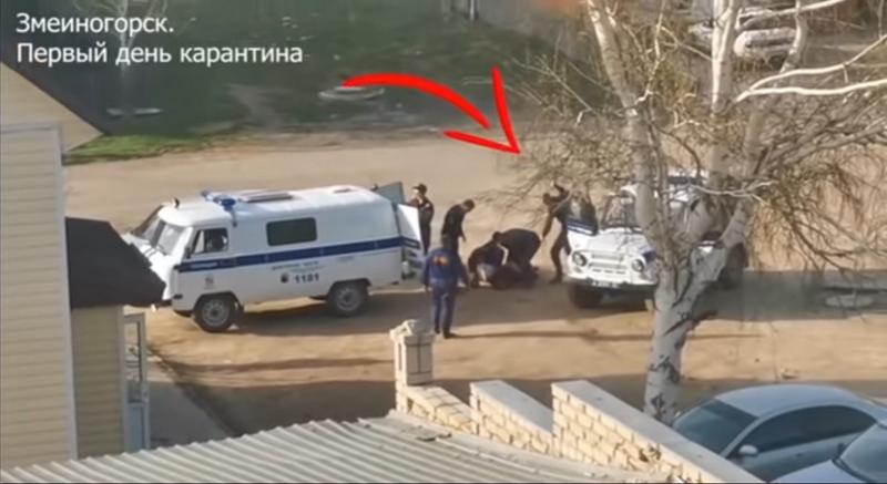 На алтайских полицейских завели уголовные дела за избиение нарушителя самоизоляции