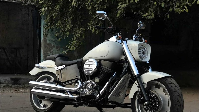 Этот Harley-Davidson Fat Boy на самом деле переделанный Royal Enfield из Индии