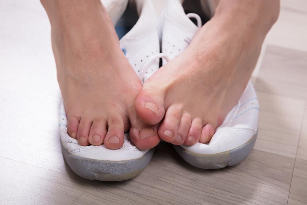 Что делать, если проблемы с пальцами и ногтями вызывает тесная неудобная обувь?