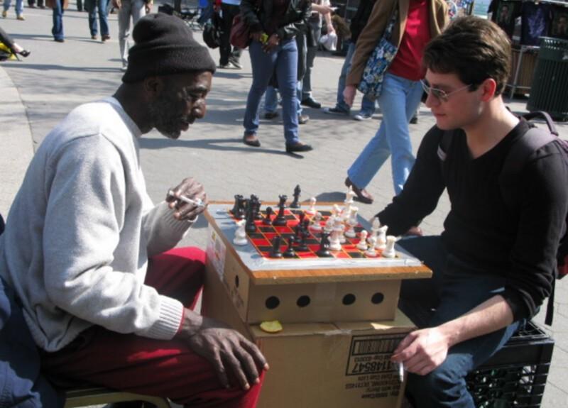 Белые всегда ходят первыми: игру в шахматы признали расистской