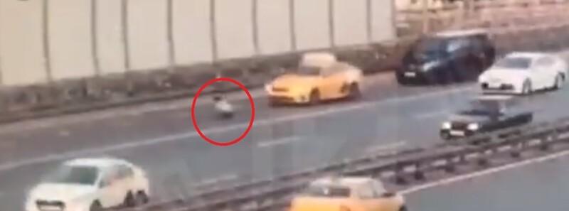 Похищенный мужчина на ходу выпрыгнул из багажника машины