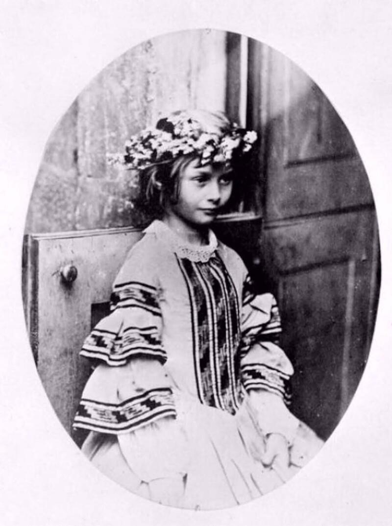 Алиса Лидделл, 1859 г.