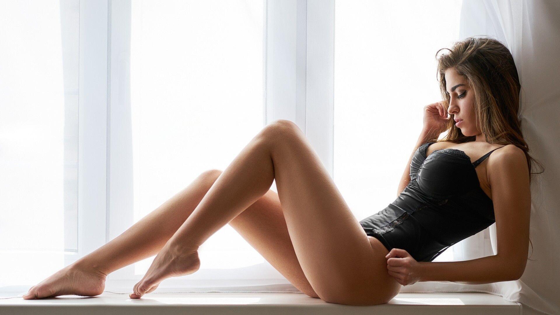Masturbation with leggy hot elena koshka whos using dildo while outdoors
