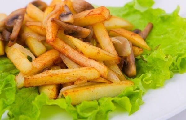 Как приготовить вкусную картошку с грибами в мультиварке, если под рукой не оказалось сковороды