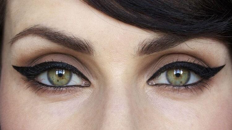 Приподнятые стрелки для эффекта кошачьих глаз