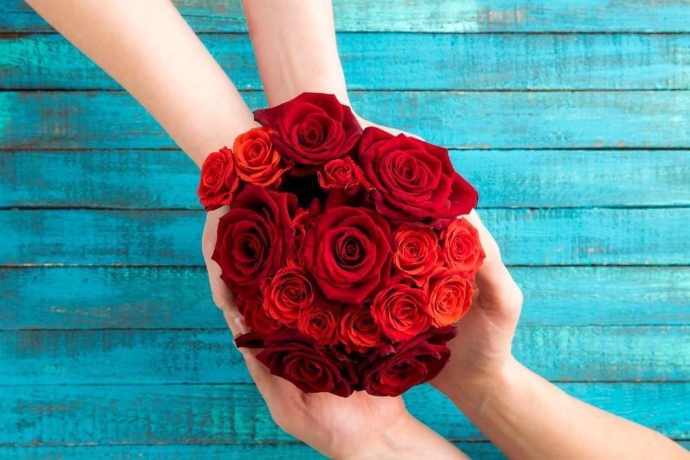 Почему розы нерекомендуется держать дома?