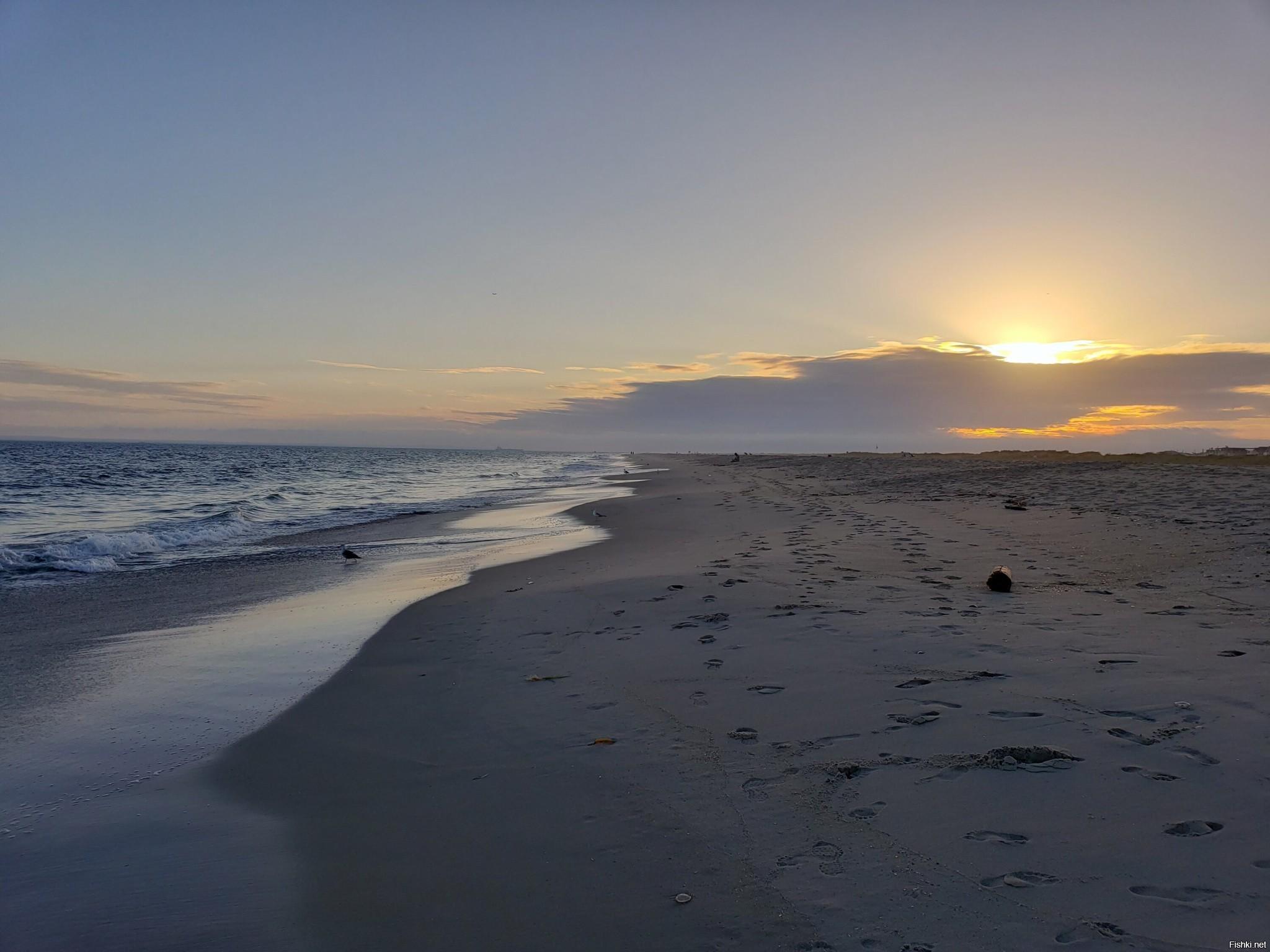 немного океана на закате