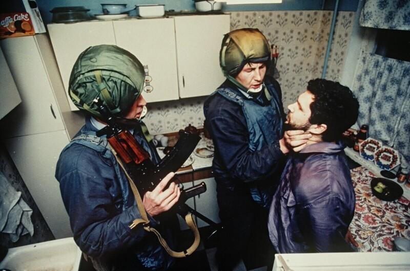 Член казанской ОПГ задержан сотрудниками УГРО за ограбление проституток. Ленинград, сентябрь 1991 года