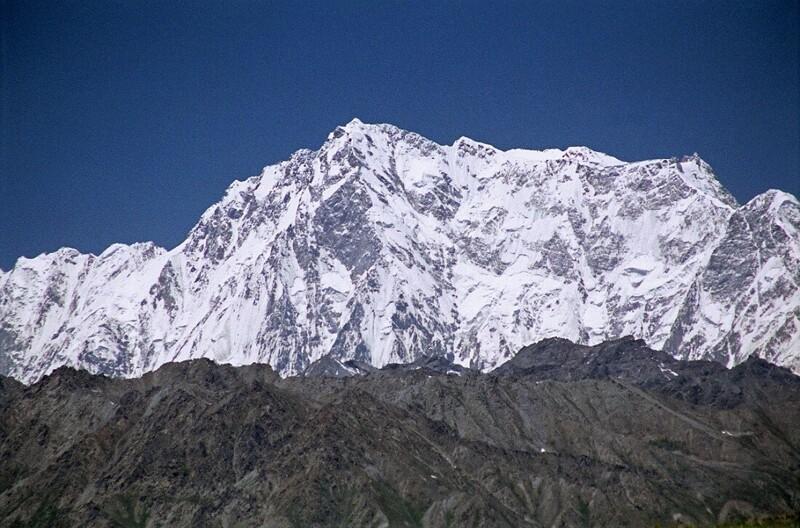 №9. Нангапарбат (Гималаи) - 8125 метров.