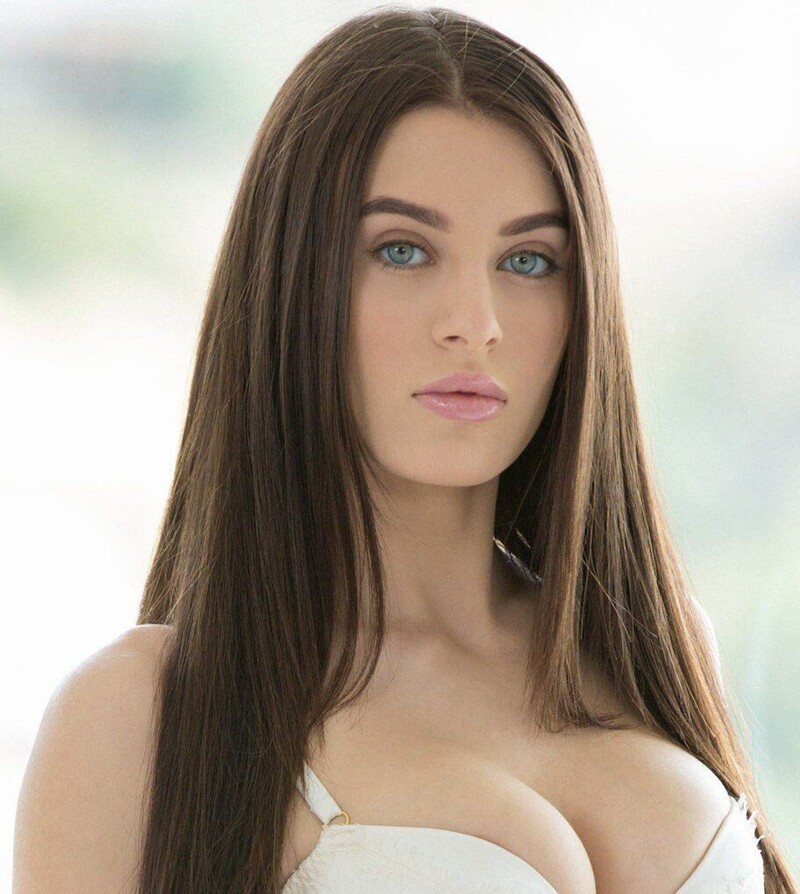 Lana Rhoades 8