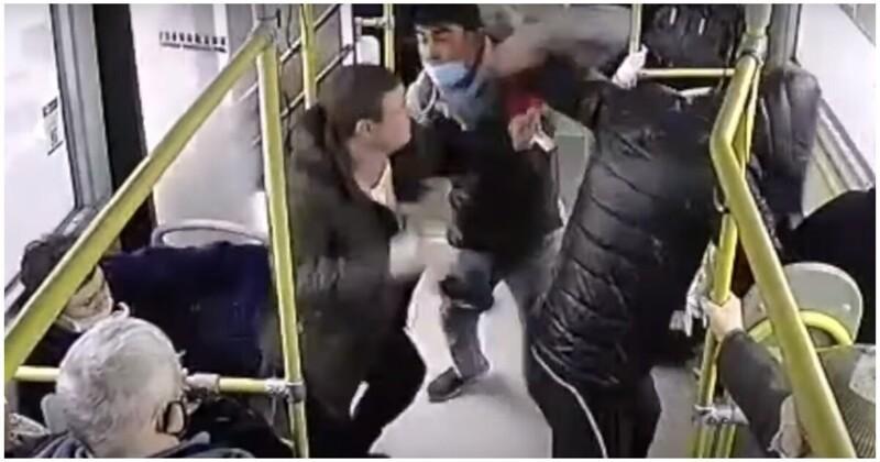 Кондуктор дал отпор напавшим на него пьяным пассажирам