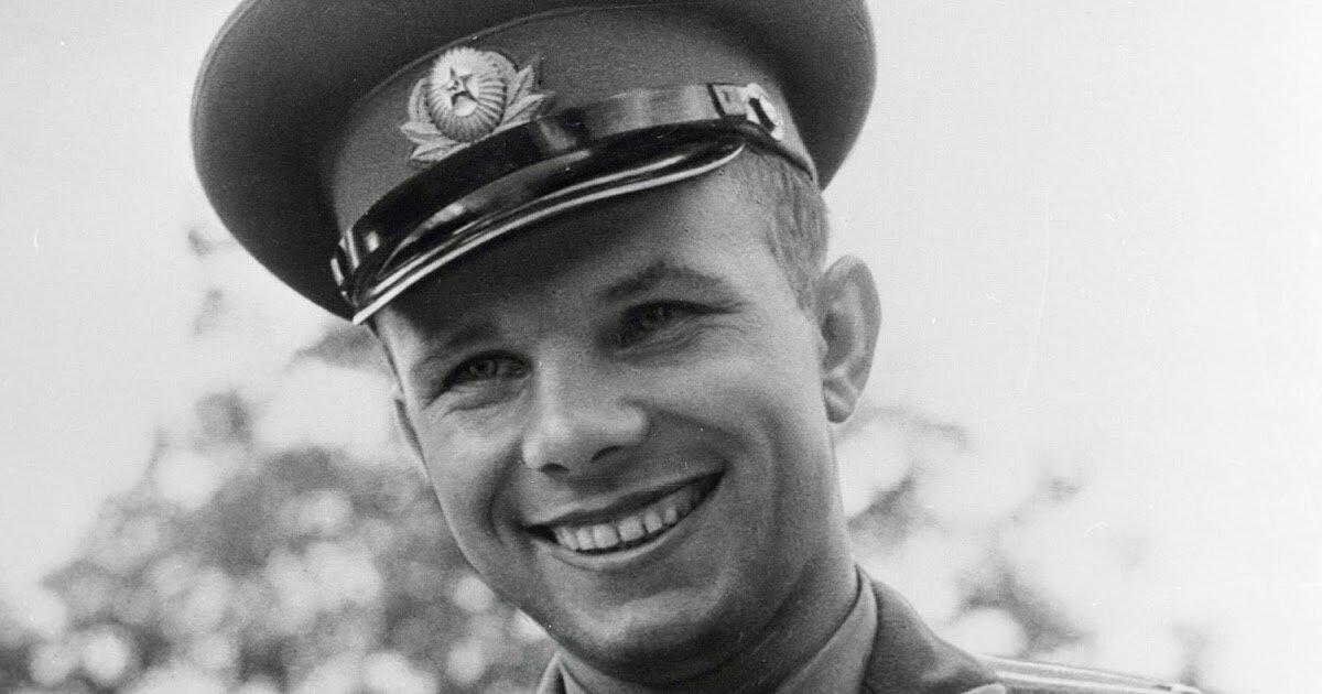 Дочь Юрия Гагарина решила приватизировать имя отца