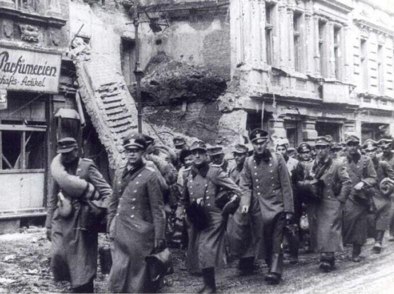Самый женский подвиг: как хрупкая девушка уговорила сдаться 7000 немецких солдат и офицеров