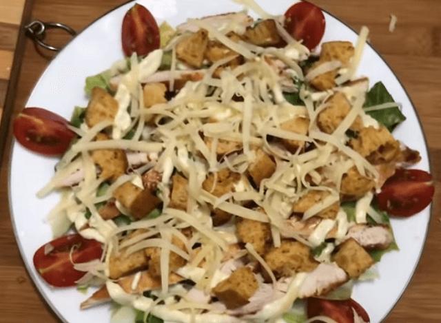 Салат Цезарь – классические простые рецепты в домашних условиях
