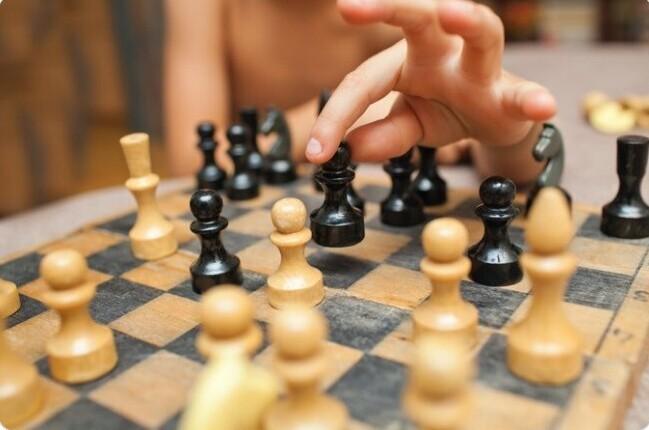 9. В Армении шахматы - обязательный школьный предмет