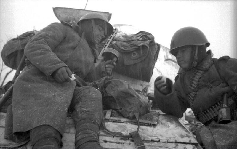 Как бойцы Красной армии выживали в -40 °C, ночуя на снегу (редкие архивные фото)