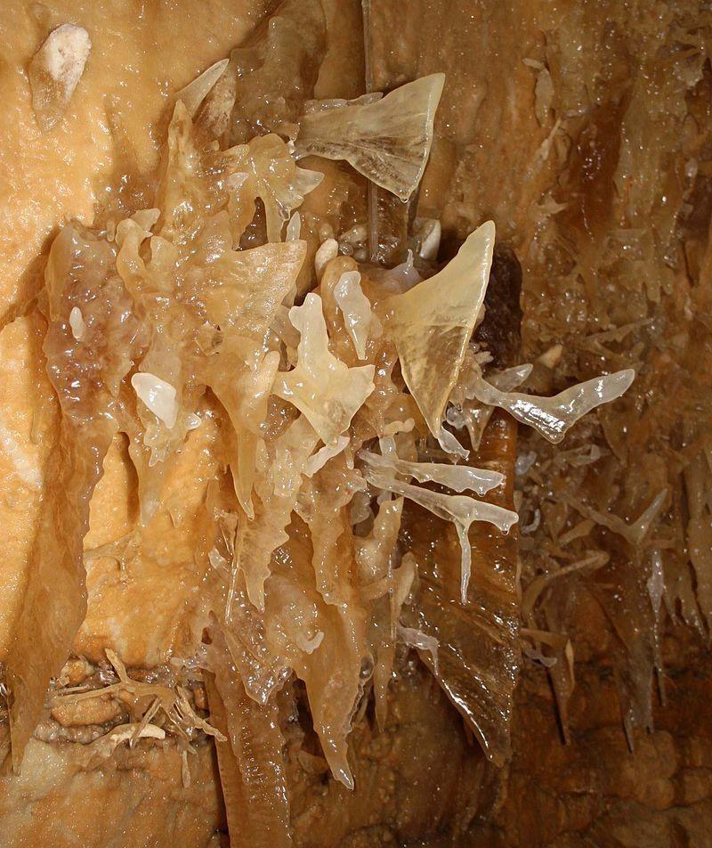 Свисающе-растущая красота: сталагмиты исталактиты какизсказки
