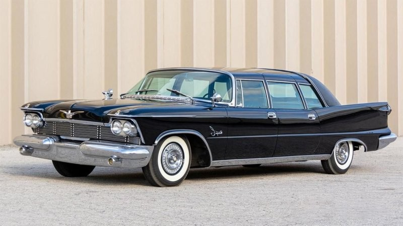 Один из 31: Chrysler Imperial для королевы