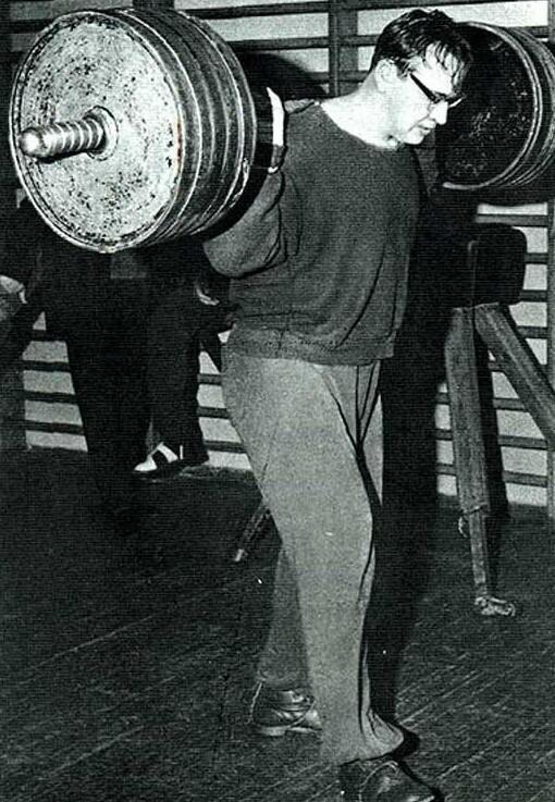 """Награжден орденами Ленина (1960), """"Знак Почета"""" (1965), Трудового Красного Знамени (1969). Заслуженный мастер спорта СССР (1959)."""