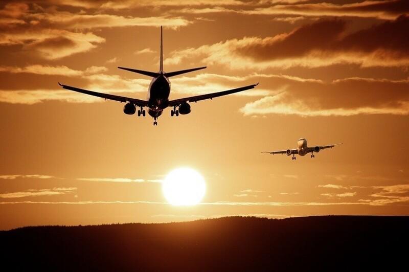 Факты ополетах: почему самолеты неприземляются сполными баками, асидения всалоне синие