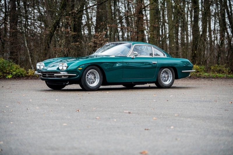 5. Lamborghini 400 GT 2+2 by Touring 1967 года продан за €477,500 (45 100 000 руб.)