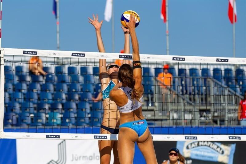 Впляжном волейболе - главный этооператор