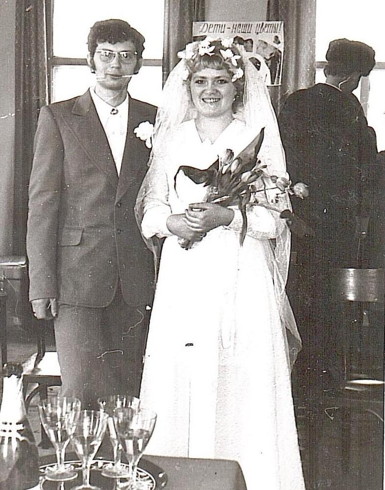 Война войной, алюбовь порасписанию: свадебная статистика времен ВОВ