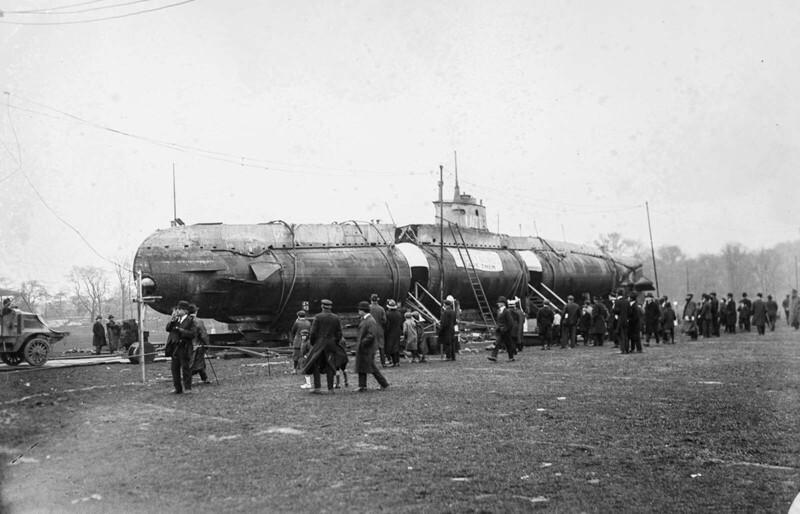 Подводная лодка вЦентральном парке: такого выещеневидели!